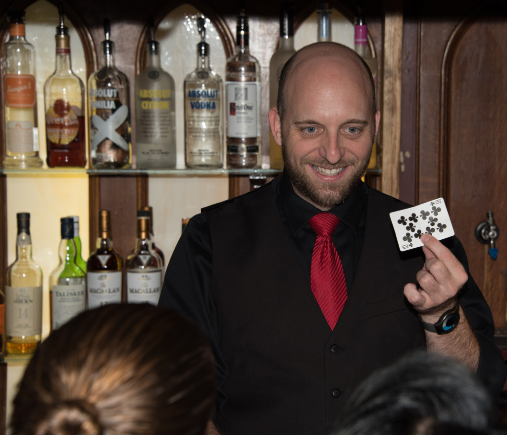 Hat & Hare Pub.Magcian-Bartender Mike Piscotta #2